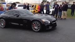 カッコつけたメルセデス AMG GT S がクラッシュしちゃう動画