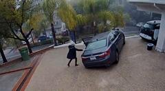 女性レクサスドライバー「あ、忘れ物しちゃった。取りに行かなきゃ!」 → クラッシュ