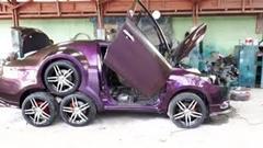 トヨタ ヴィオスを8輪車にしちゃった魔改造カーwwww
