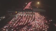 中国の春節の大渋滞を空撮してみた動画