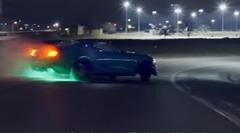 900馬力のフォード マスタングが魅せる四つ葉のクローバードリフト