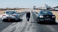 フォード マスタング vs トヨタ GRスープラ ドラッグレース動画