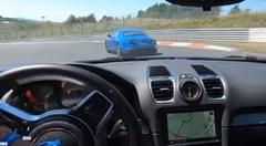 アルピーヌ A110 vs ポルシェ ケイマン GT4 ニュルバトル動画