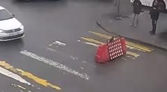 悲しき工事用道路標識の1日