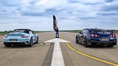 700馬力 日産 GT-R vs 560馬力 ポルシェ 991 ターボS ドラッグレース動画