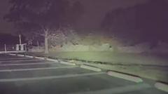 駐車場係「テスラ モデルSじゃん!加速力試したろ」 → クラッシュ