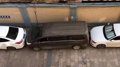 絶対無理ゲーな縦列駐車から脱出する中国の達人ドライバー