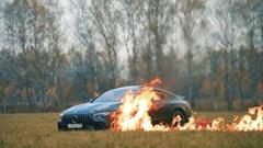 メルセデス AMG GT 63S をわざと燃やしちゃう奴