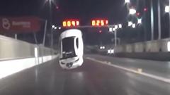 レクサス IS F のドラッグカー 飛ぶ