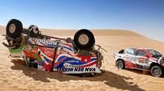 ダカールラリー2021の砂漠クラッシュ動画