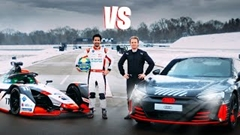 フォーミュラ E vs アウディ RS e-tron GT ドラッグレース動画
