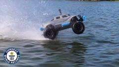 RCカーが水上を1.5kmも走っちゃうギネス世界記録動画